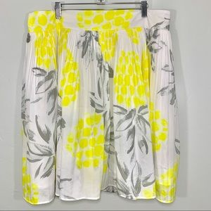 🌷Merona | Yellow White Floral Pleated Midi Skirt